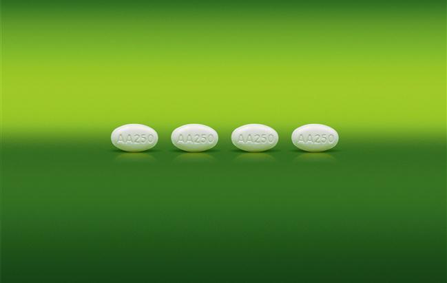 AstraZeneca venderà in Giappone l'abiraterone acetato di Janssen