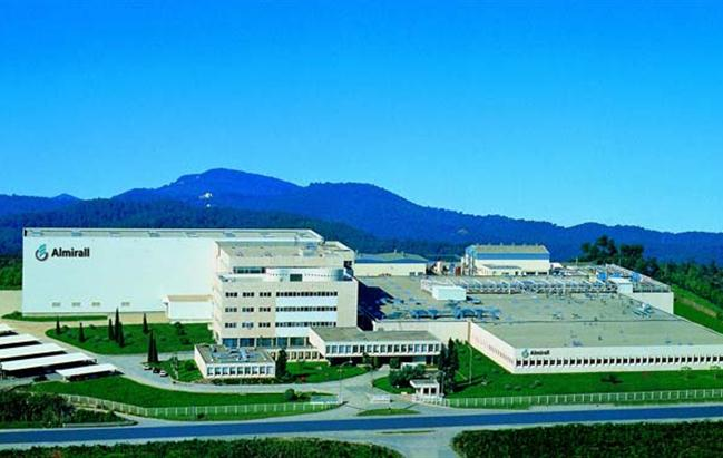 Dermatologia, la spagnola Almirall acquisisce l'americana Aqua Pharmaceuticals
