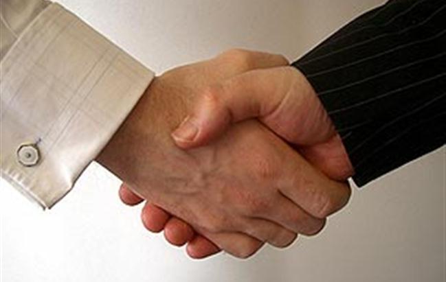 Accordo tra Exelixis e Ipsen per la commercializzazione e sviluppo di  Cabozantinib