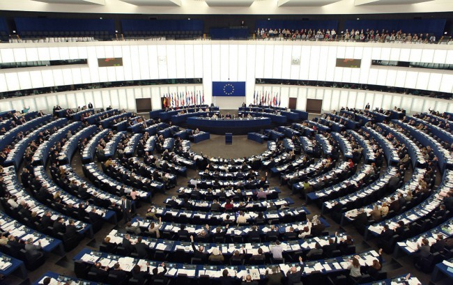 Medical device, il Parlamento europeo approva norme più severe sui controlli