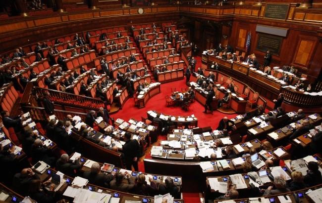 Ordini e collegi, nessuna incompatibilità fra cariche di presidente e senatore