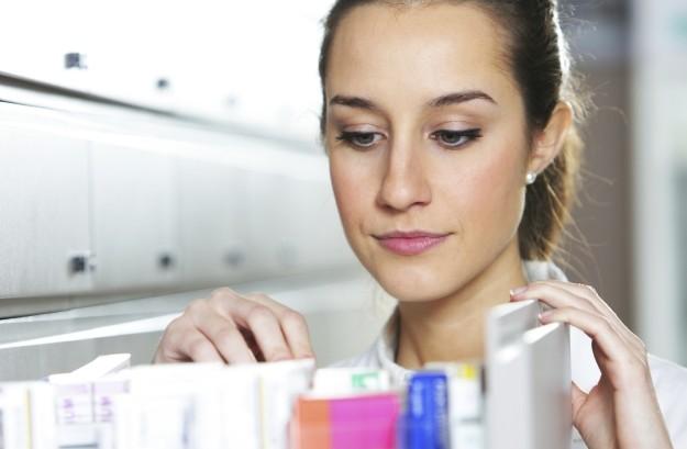 Aderenza terapeutica: l'intervento del farmacista aiuta pazienti e sostenibilità