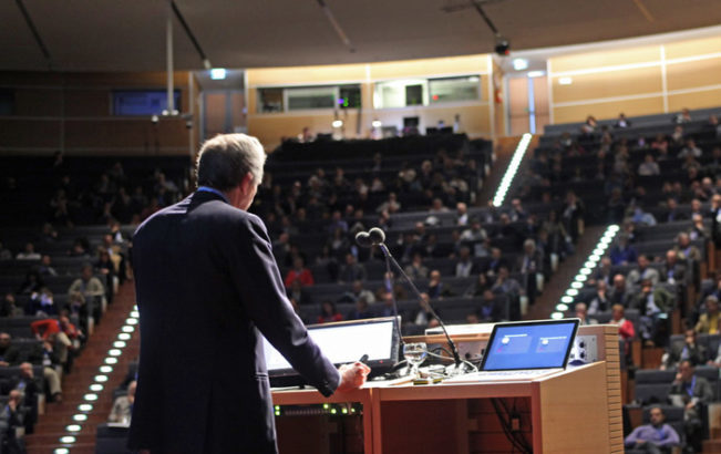 Se a scegliere i medici da invitare ai congressi sono le società scientifiche e non le aziende farmaceutiche