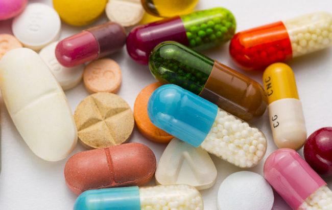 Antibiotico-resistenza: nuove linee guida Oms per la cura di clamidia, gonorrea e sifilide