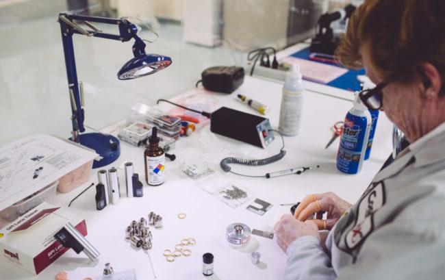 Tempi e validità dei certificati per medical device, ecco come gestire il magazzino