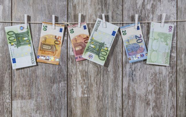 Finanziamenti per la ricerca clinica: in Italia meno di 800 milioni all'anno