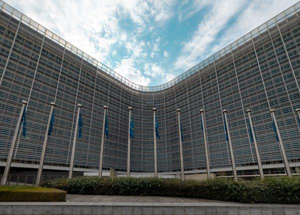 Il vaccino per l'Ebola ha il via libera al commercio della Commissione Ue