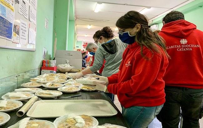 Alfasigma dona 180mila euro alla Caritas italiana