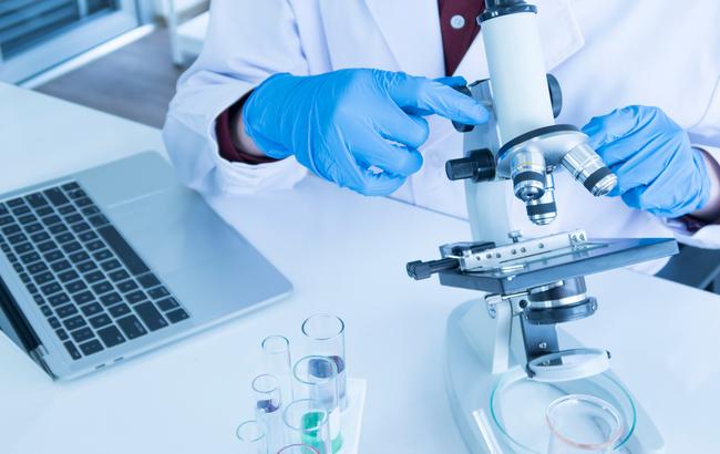 Pubblicare o brevettare, il dilemma della ricerca scientifica italiana