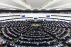 Antibiotici riservati all'uomo: l'Europarlamento scongiura nuovi divieti per la veterinaria
