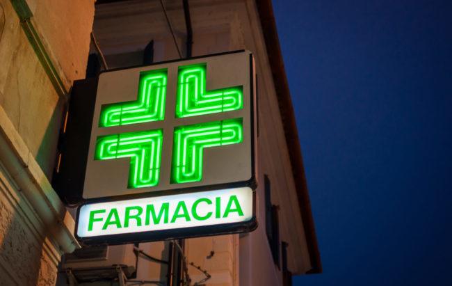 """Farmacie: dalla """"paura"""" dell'online alle nuove tipologie, ecco lo scenario post Covid"""